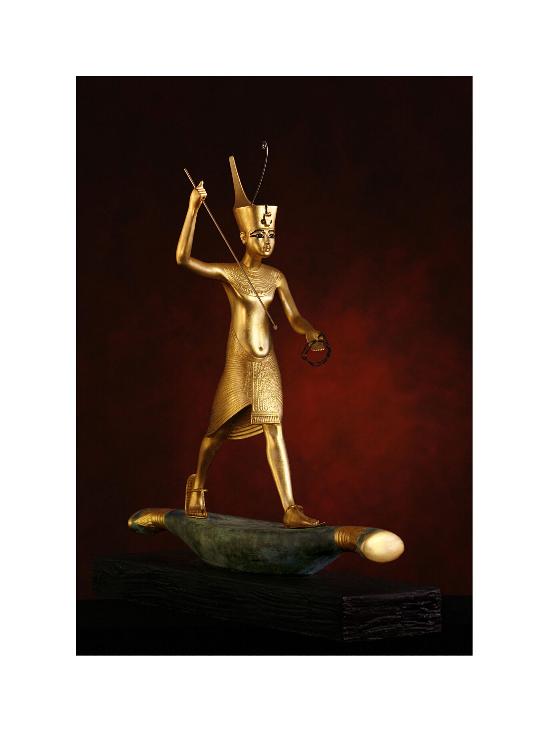König Tutanchamun auf der Sonnenbarke